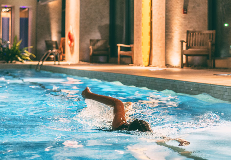 The Residential swimming pool building contractors